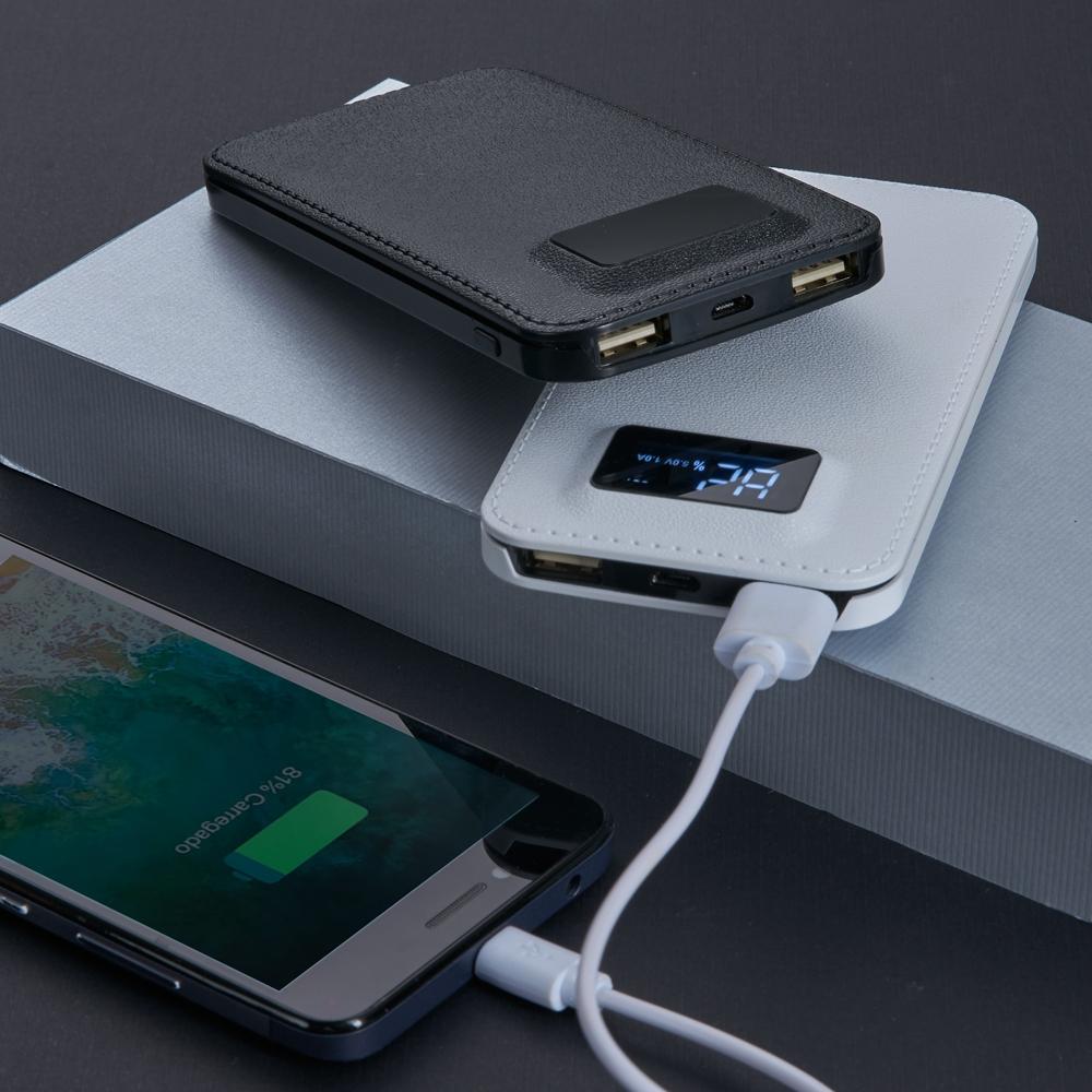 Power Bank Plástico com Visor Digital 3200mAh